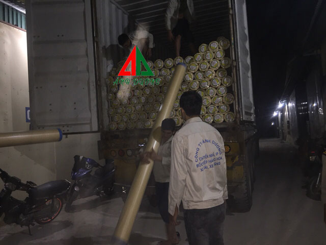 Bốc xếp container tại Hà Nội